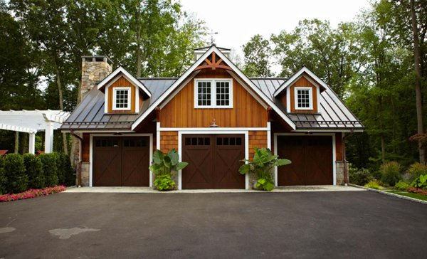 20 Traditional Architecture Inspired Detached Garages