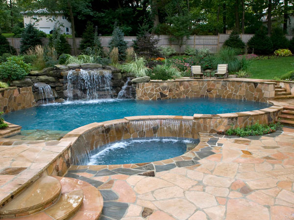 15 great small swimming pools ideas home design lover for Swimming pool spa designs