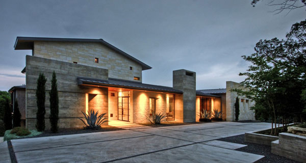 The captivating views of the hill country residence in for Hill country architecture