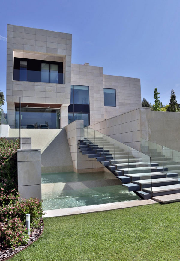 The modern memory house in madrid spain home design lover - Amazing private house design with luxurious swirly white staircase ...