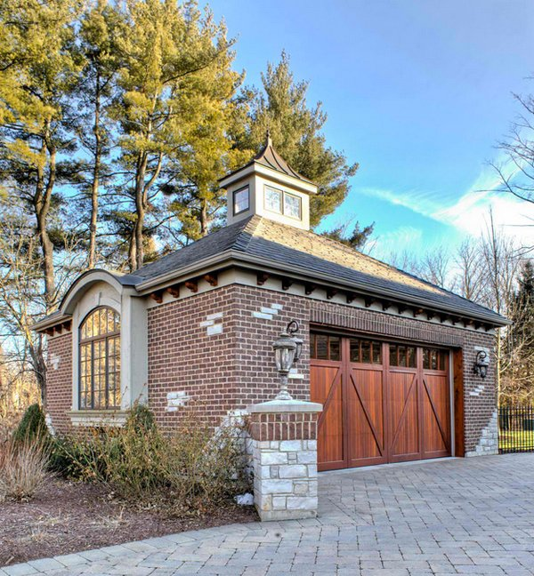 Garage Design Architecture: 20 Traditional Architecture Inspired Detached Garages