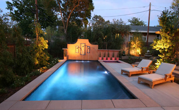 15 great small swimming pools ideas home design lover for Swimming pool area