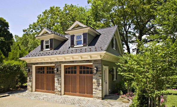 20 traditional architecture inspired detached garages for Carriage house plans cost to build