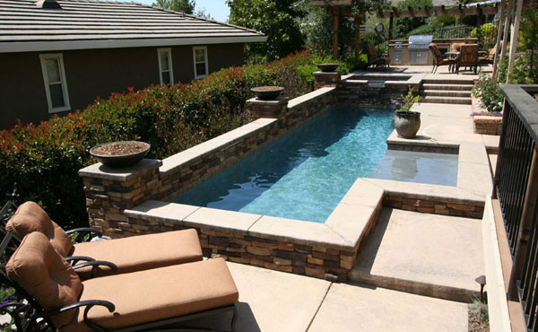 15 great small swimming pools ideas home design lover for Best small pool designs