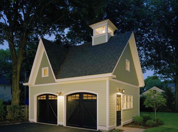 20 traditional architecture inspired detached garages for Historic carriage house plans