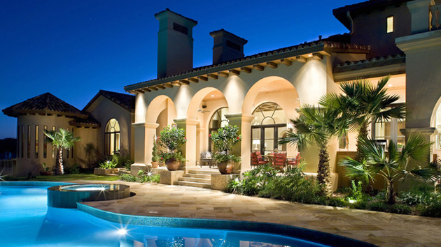 15 Dramatic Landscape Lighting Ideas | Home Design Lover