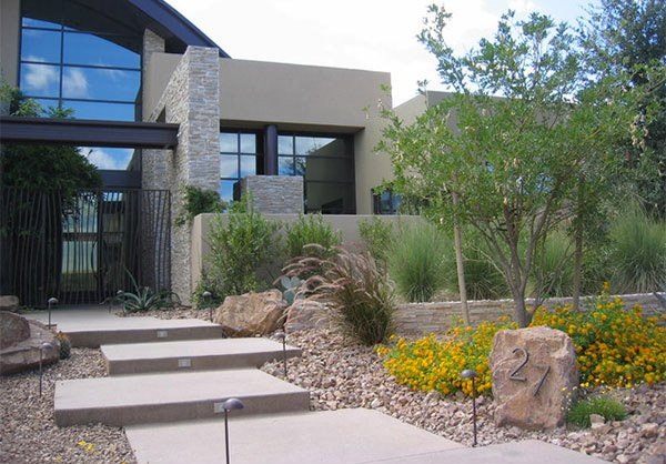 17 parched desert landscaping ideas home design lover Modern desert landscaping ideas