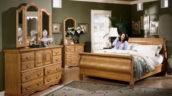 Classic Oak Sleigh Bedroom Suite