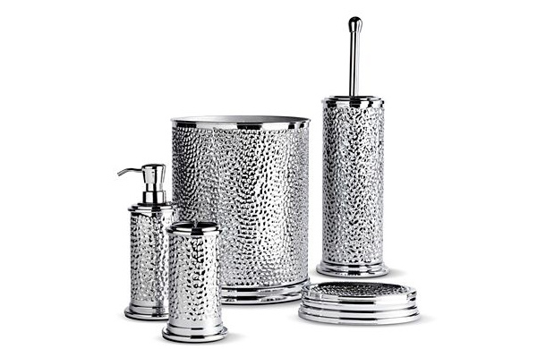 15 trendy modern bathroom accessories set home design lover for Bathroom accessories silver