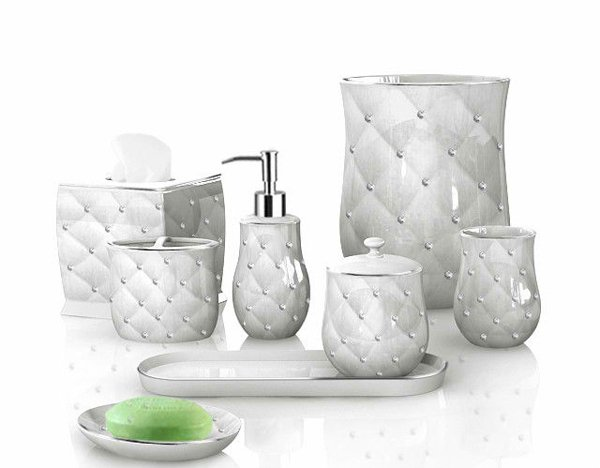 15 luxury bathroom accessories set home design lover for Bathroom accessories with rhinestones