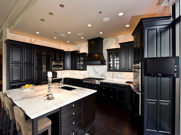 15 astonishing black kitchen cabinets home design lover for Black kitchen cabinets