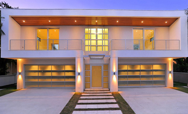 Picture frame house a vivid modern home design home for Modern house front view