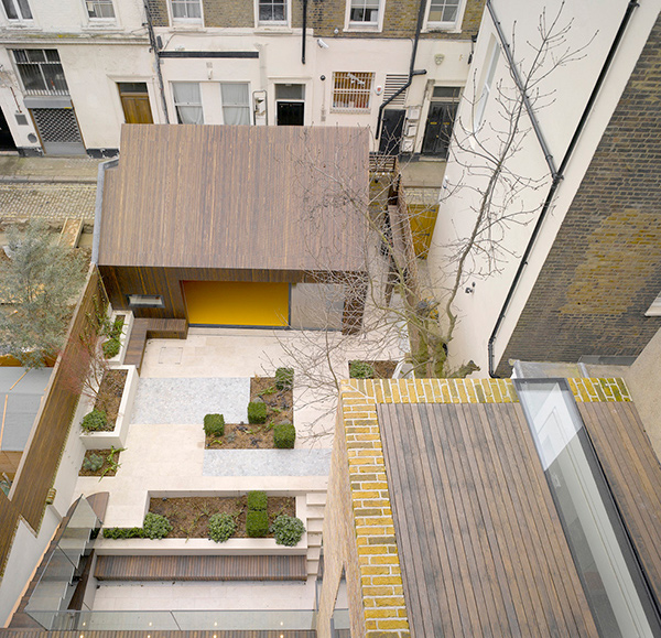 Contemporary London Home: Lateral House: A Contemporary Home Extension In London
