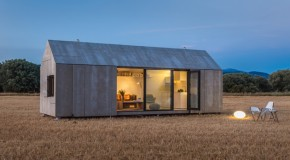 Amazingly Designed APH80 Portable House in Spain