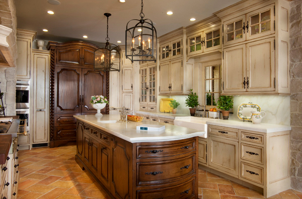 15 perfectly distressed wood kitchen designs home design for Rustic white kitchen cabinets