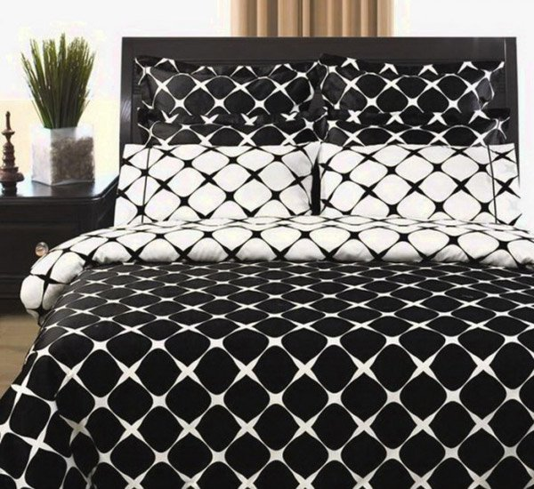 9pc Modern Reversible 400tc Black White Bed in a Bag