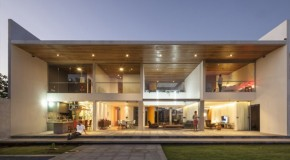 The Stunning Modern Linhares Dias House in Brazil