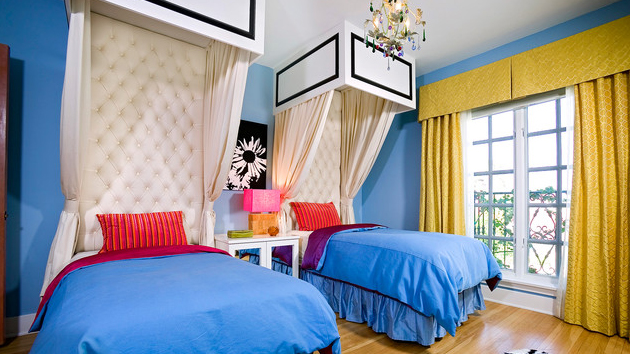 20 Bedrooms With Identical Twin Beds