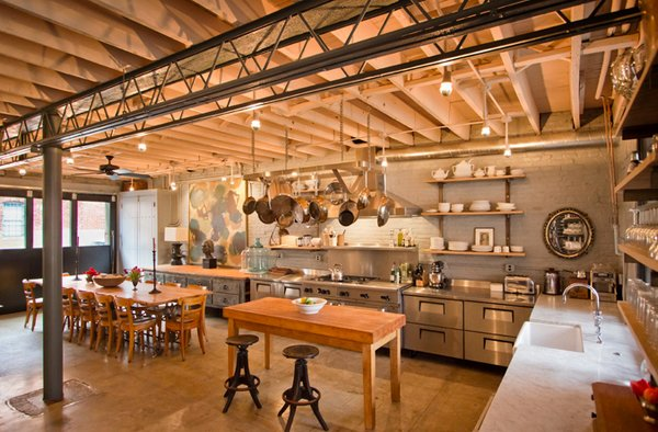 15 outstanding industrial kitchens home design lover for Carriage house kitchen cabinets