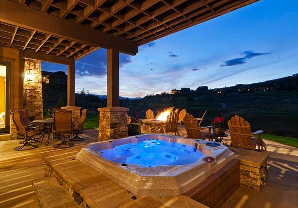 15 square hot tubs for relaxation home design lover for Pool design utah