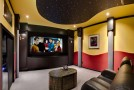 15 Contemporary Home Theaters for Maximum Entertainment