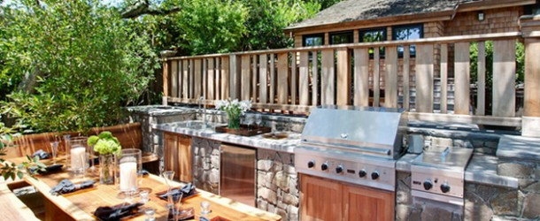15 Ideas for Highly Functional Traditional Outdoor Kitchens | Home ...