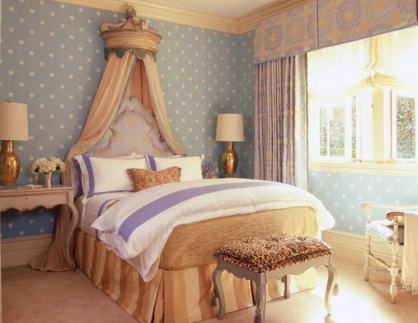 circle walls bedroom