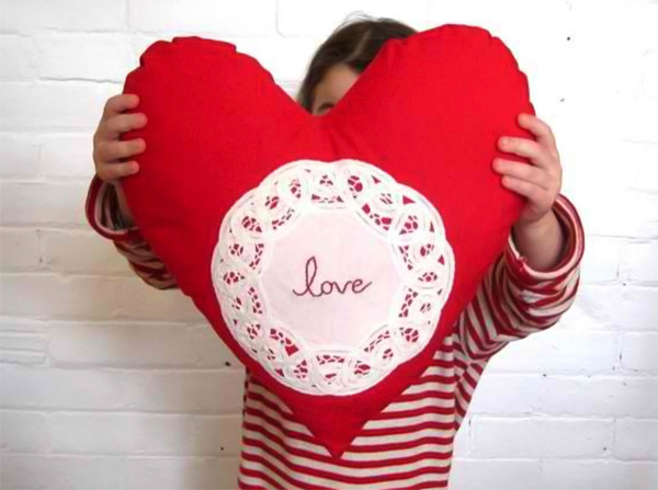 Cushion Red Love