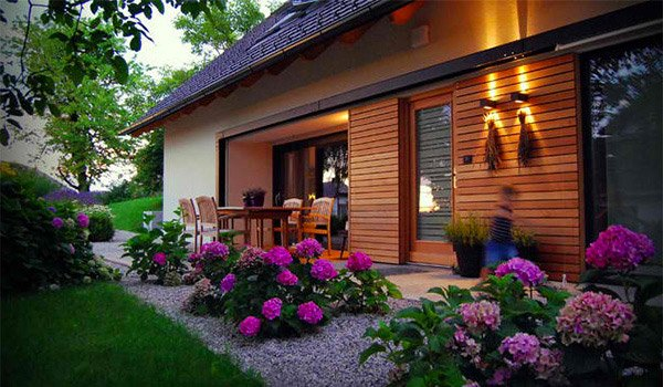 15 Landscaping Ideas For Flower Beds | Home Design Lover