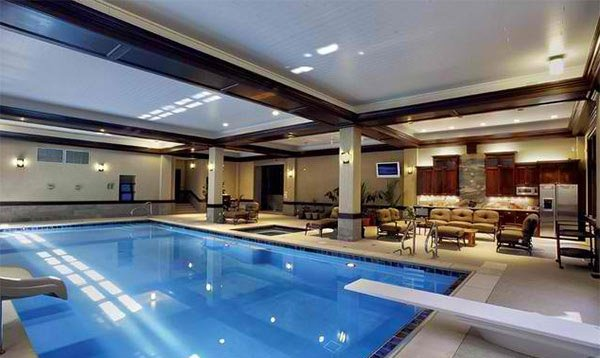 15 modern swimming pool rooms you 39 ll envy home design lover for Swimming pool room ideas