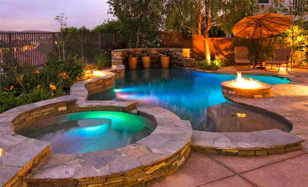 Fire water combo in 15 traditional pools with fire pits for Pool and firepit design