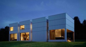 Tsai Residence: A House With Four Equal Boxes in USA