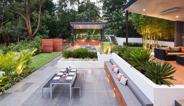 15 contemporary backyard patio designs home design lover for Modern yard ideas