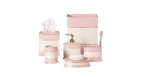 15 chic pink bathroom accessories set for Pink and gold bathroom decor