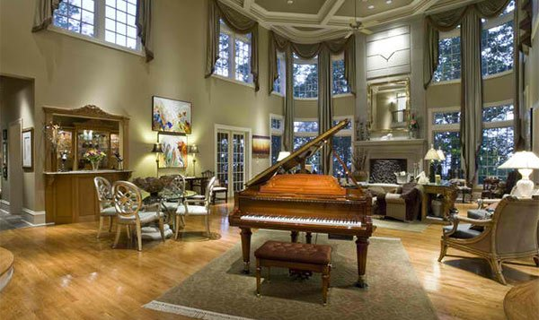 15 grand piano set ups in traditional living rooms home for Grand living room