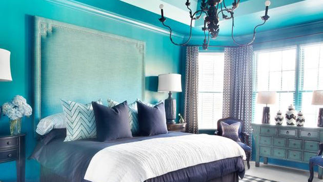 Pretty combo of turquoise and black in 15 bedroom for Black white turquoise bedroom ideas