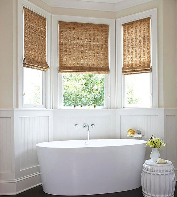 20 designs for bathroom window treatment home design lover for Bathroom window treatments
