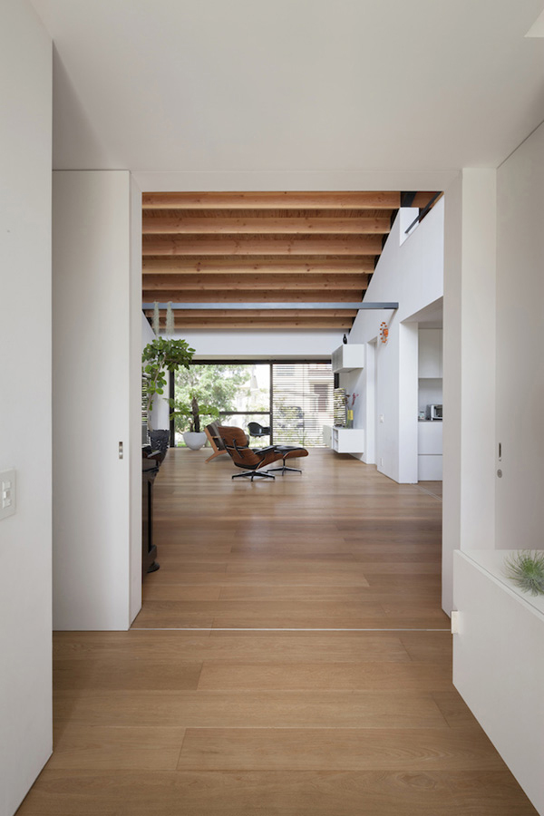 Rustic Coffee House Decor Ideas furthermore Victorian Townhouse Interior Design further Kamakura House additionally Simple Design Of Houses as well Index. on modern japanese house design