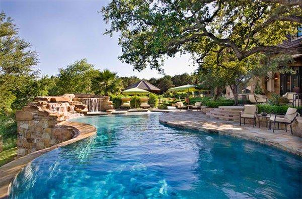 zero-edge pool