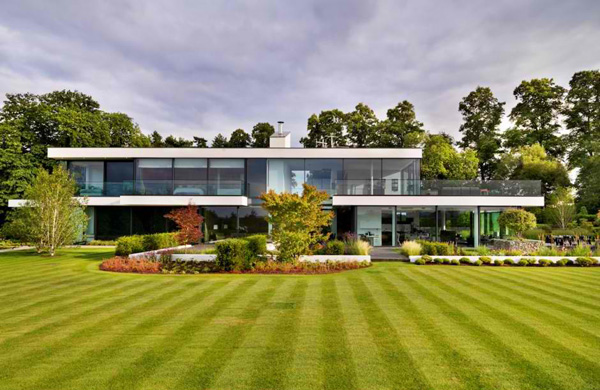 Attractive Modern Country House