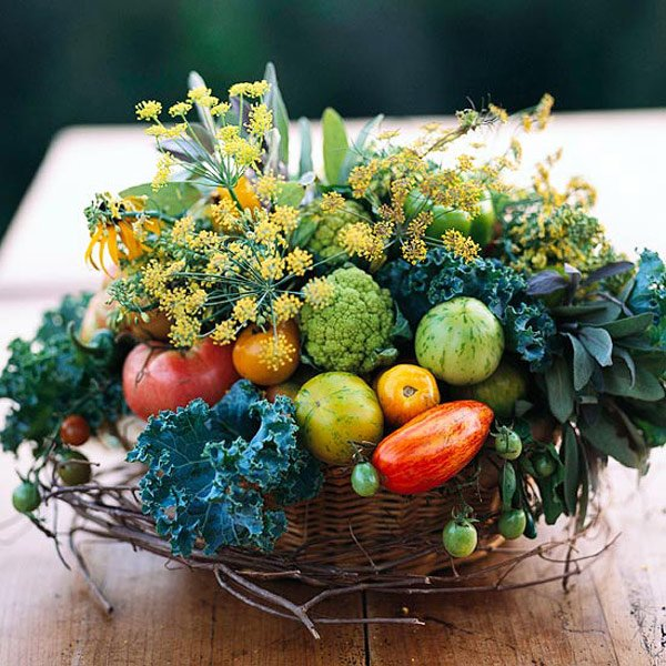 Nature inspired centerpiece to boost up your table tops