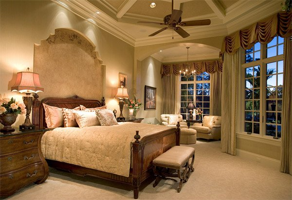 20 luxurious design of mediterranean bedroom home design for Mediterranean style bedroom furniture
