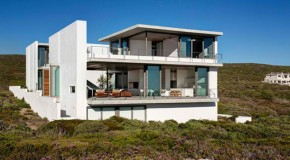 The Breathtaking Sight from the Pearl Bay Residence in South Africa