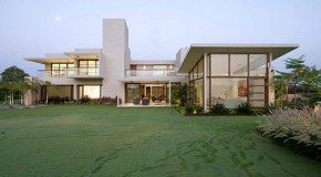 Significant Functions of the Forms Used in the Urbane House in India