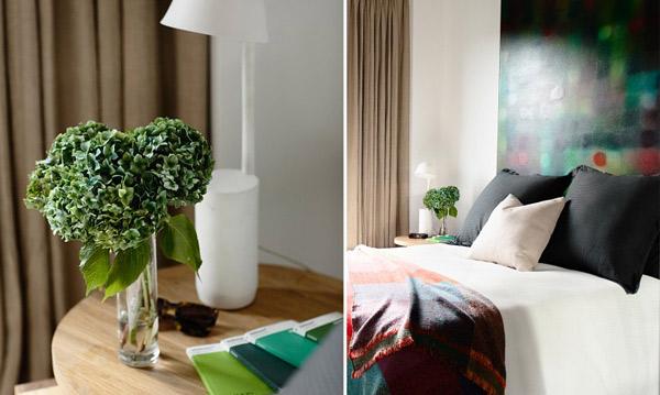bedroom colorful wallpaper