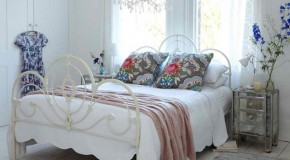 21 Interiors of Bedrooms with Antique Bed Set