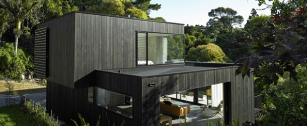 The Poetic Ideas in the Waiatarua House in Auckland, New Zealand