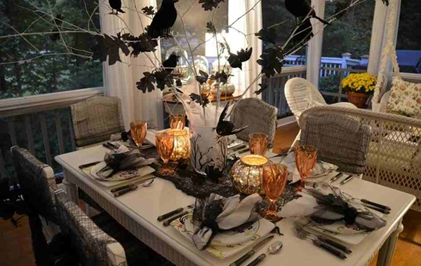 20 Astonishing Halloween Decors in the Dining Room Home  : 1 Table Setting from homedesignlover.com size 600 x 380 jpeg 192kB