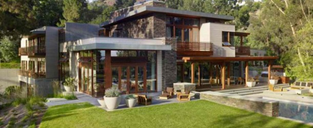Wonderful Environment of the Mandeville Canyon Residence in LA, California