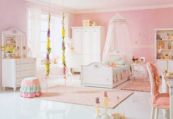 Princess theme bedroom | Bella's Princess Cupcake themed ...
